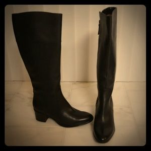 Naturalizer black leather boots